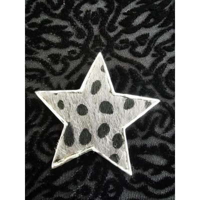 Magnetic Textured Star Scarf Brooch (Silver / Grey)