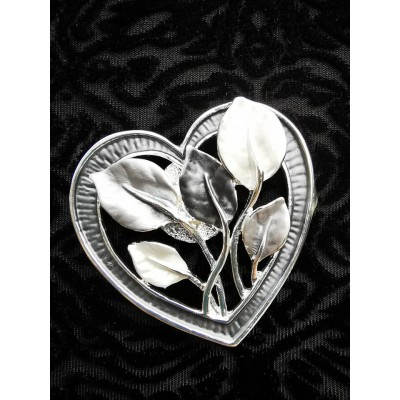 Magnetic Heart & Petals Scarf Brooch (Pewter)