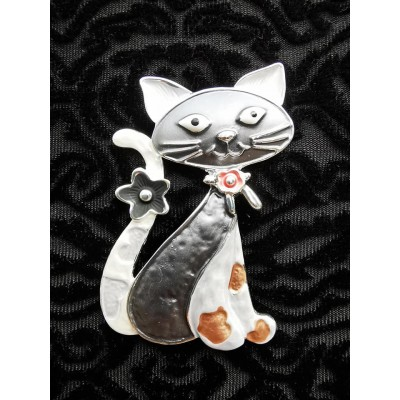 Magnetic Sitting Cat Scarf Brooch (Pewter)
