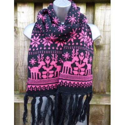 Slim Knit Reindeer (Black / Hot Pink)