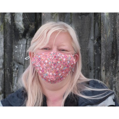 Adjustable Filter Mask - Tiny Flowers (Coral)