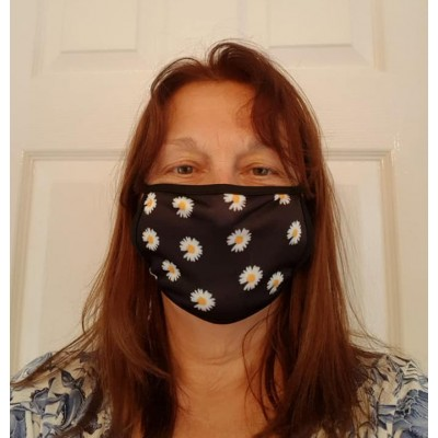 Double Layer Stretch Mask - Daisies