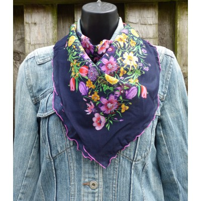 Trimmed Cotton Floral Square (Navy)