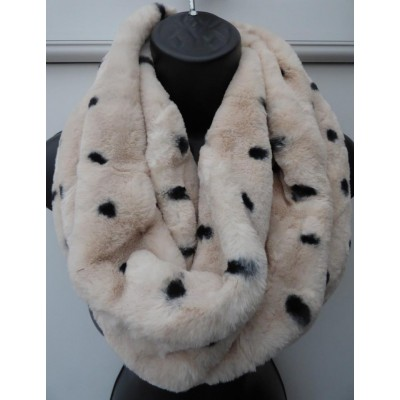 Spot Twist Plush Snood (Cream)