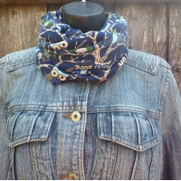 Close Fit Owls On A Branch Snood 3056 (Navy)