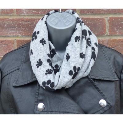 Close Fit Pawprint Snood (Grey / Black)