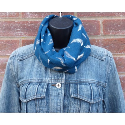 Close Fit Silver Feathers Snood