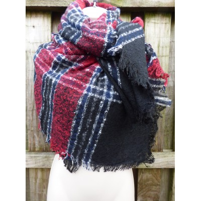 Square Wrap 2125 (Red/Navy/Black)